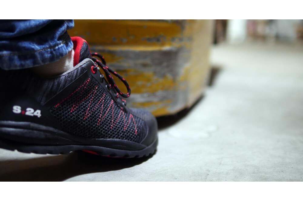 Chaussure de securite respirante mixte Sirocco s1p s24